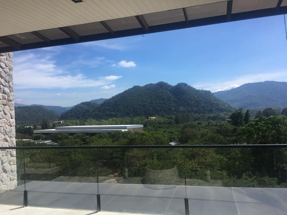 Botanica balcony view