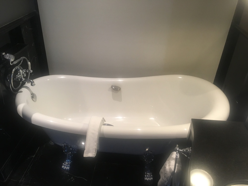Bath tub Muse Collection hotel
