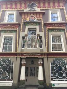 Interesting 'Egyptian' style house